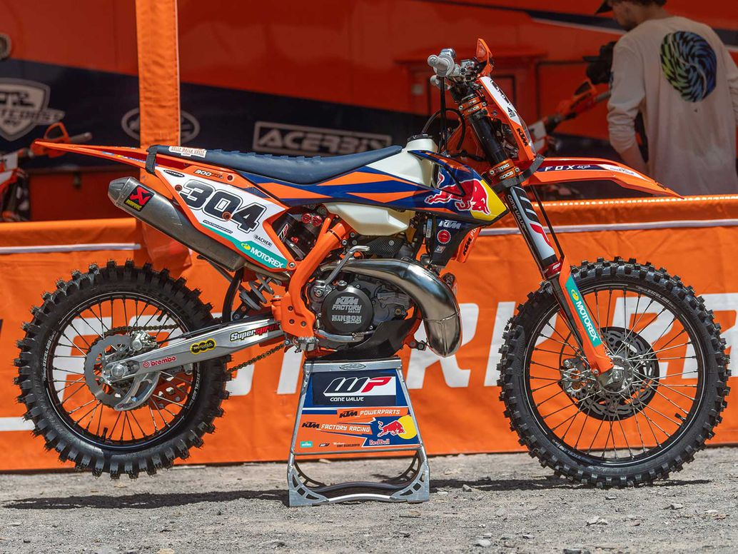 Manuel Lettenbichler raced Josh Toth's KTM 300 XC-W TPI at the Tennessee Knockout, though Manni brought his own suspension, handlebar, tires, mousses, and grips.